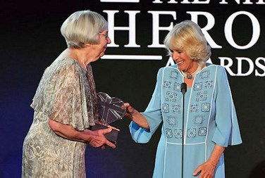 Averil Mansfield CBE (L) receiving the Aneurin Bevan Lifetime Achievement Award (Copyright ITV)